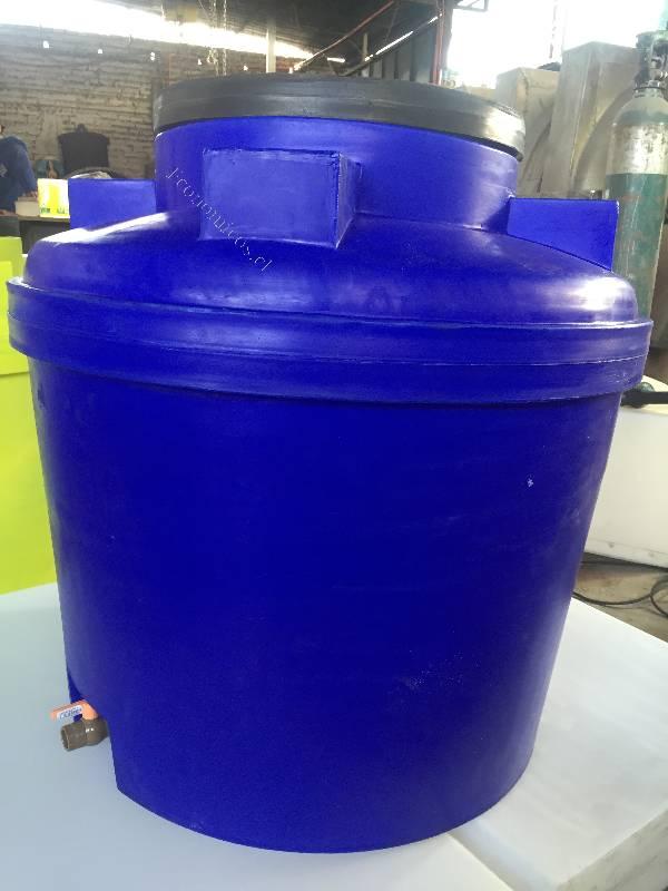 Estanque de agua vertical 400 litros 2017 01 17 for Estanque de agua 4000 litros