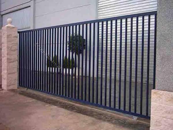 Puertas correderas de hierro perfect latest puertas for Puerta hierro segunda mano