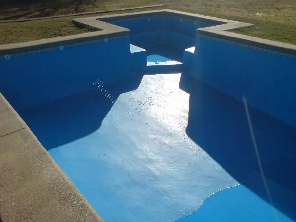 Revestimiento en fibra de vidrio para piscinas de concreto for Revestimientos de piscinas