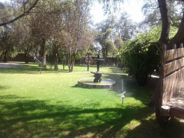 acogedora casa en hermoso parque en curacaví.