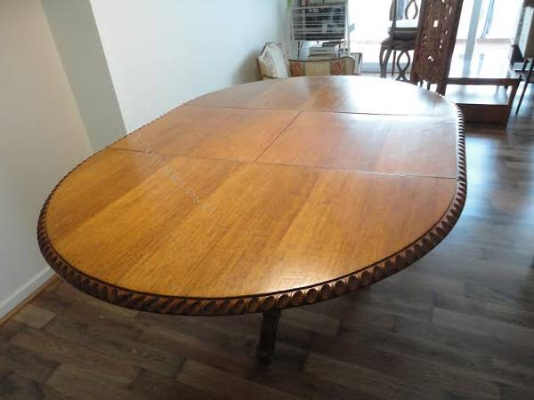 Comedor ovalado redondo 6 sillas tallado a mano en per for Comedor redondo 6 sillas