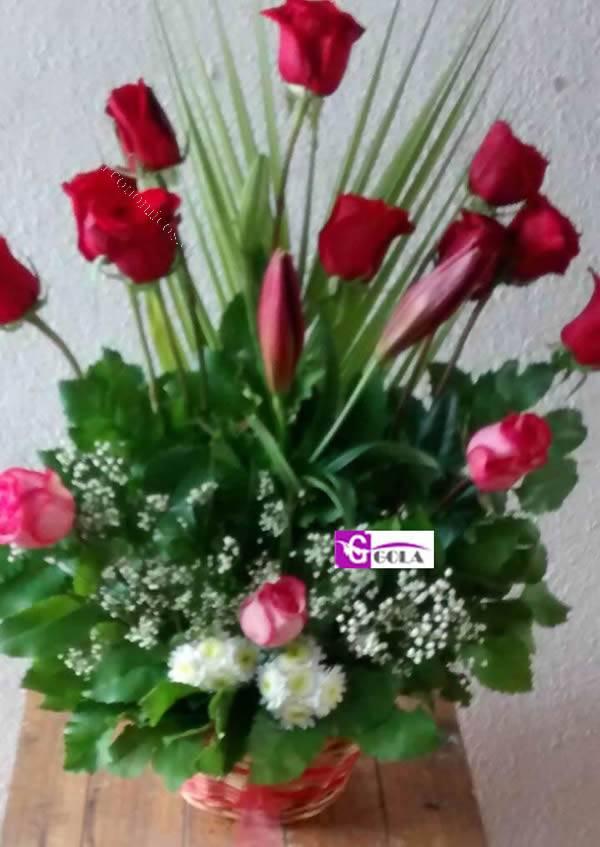 Centros de mesa silueta barbie portal pelauts car - Arreglos florales naturales ...