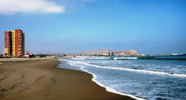 departamento amoblado a pasos de la playa vista al mar