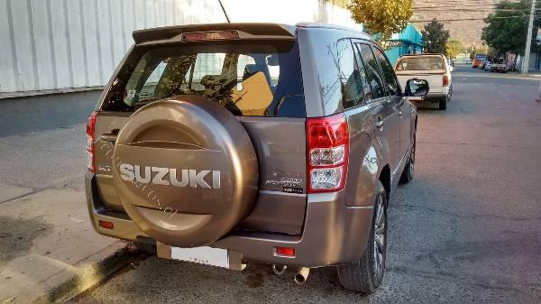 Suzuki Grand Nomade  año 2016