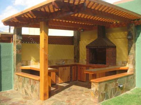 Construccion de quinchos cobertizos terrazas 2015 09 21 for Terrazas economicas chile