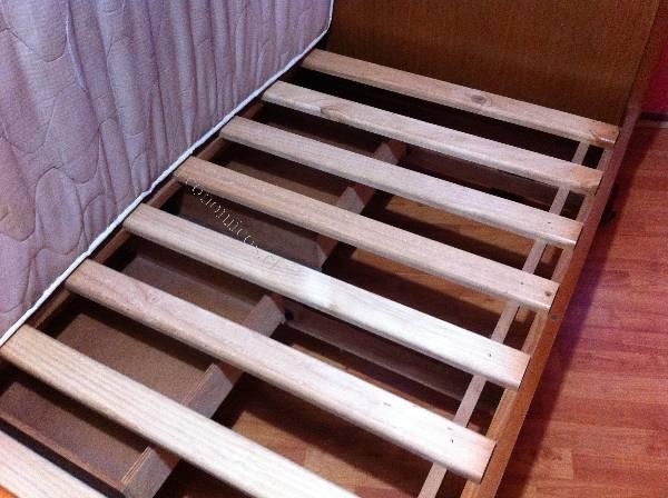 Vendo cuna de madera 2015 10 20 en economicos de el mercurio for Vendo bar de madera