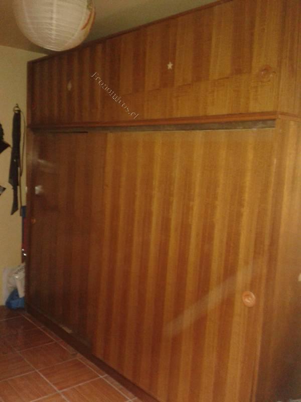 Vendo closet de madera 2015 08 23 en economicos de el mercurio for Vendo bar de madera